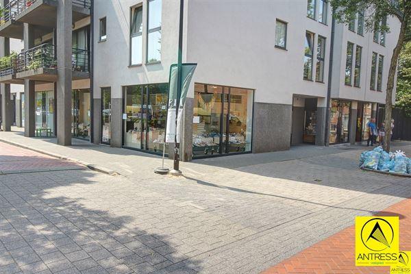 Winkelruimte te 2550 KONTICH (België) - Prijs