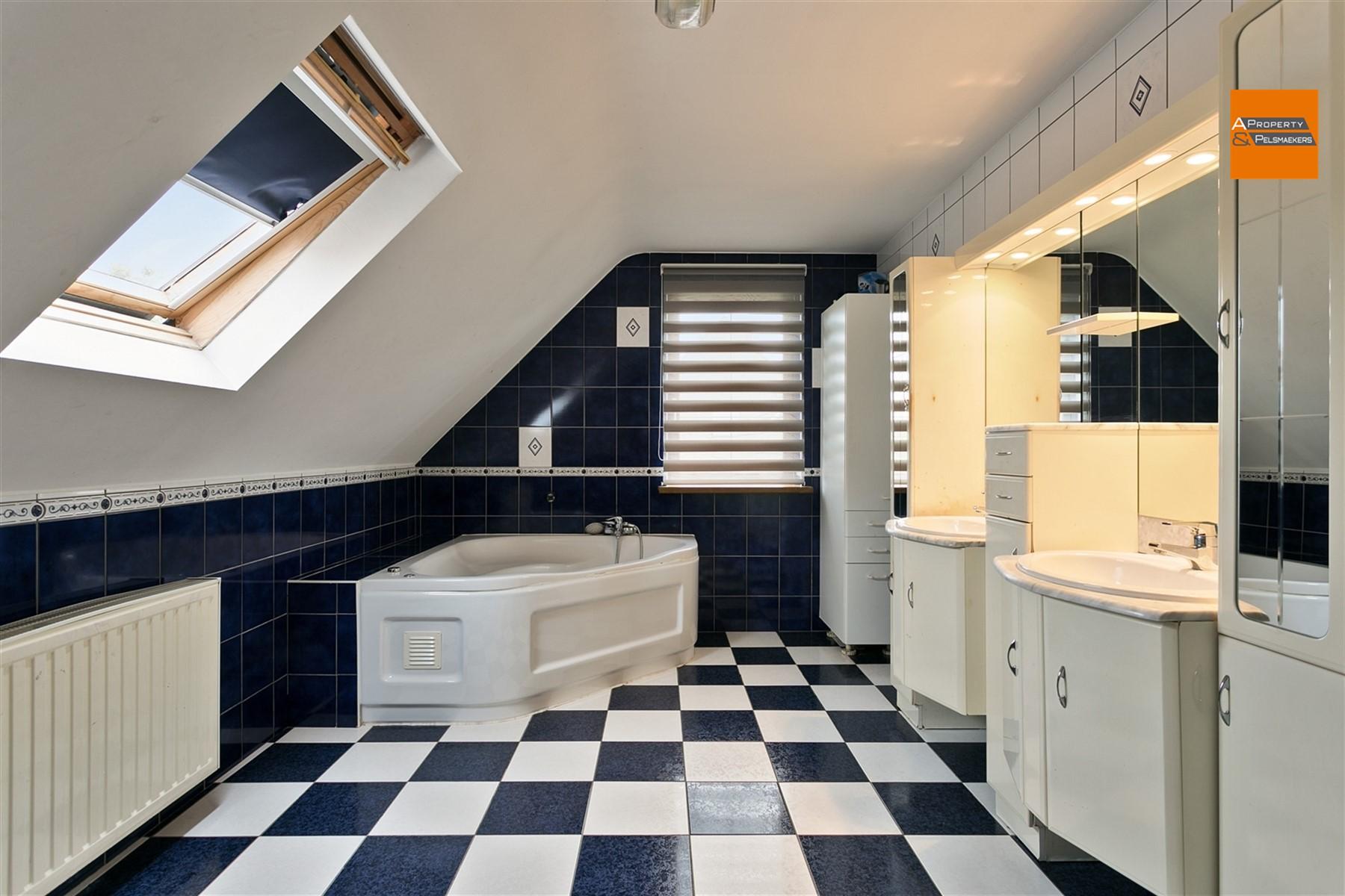 Image 18 : Villa IN 1820 STEENOKKERZEEL (Belgium) - Price 420.000 €