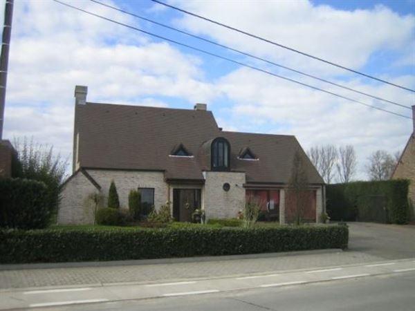 Villa/Woning/Hoeve te St-Lievens-Esse