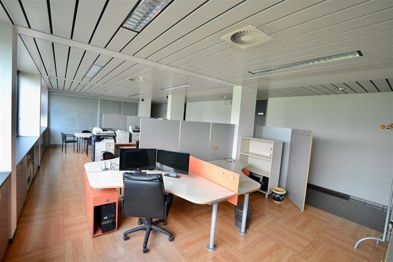 Image 4 : Bureaux à 7700 MOUSCRON (Belgique) - Prix 1.900 €
