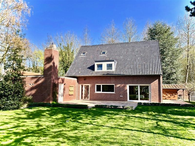 Image 1 : Villa à 7520 RAMEGNIES-CHIN (Belgique) - Prix 435.000 €