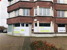 Goed gelegen kantoor/praktijkruimte te huur in Sint-Niklaas