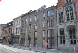 Mooi nieuwbouwappartement op toplocatie te huur in Sint-Niklaas, aan de Grote Markt