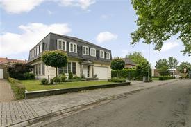 Zeer ruime villa met praktijkruimtes centrum Sint Niklaas