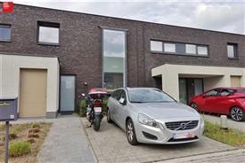 Recente woning met tuin te huur in Wondelgem
