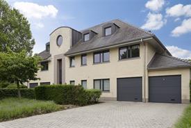 Ruim duplex appartement te koop in Heusden!