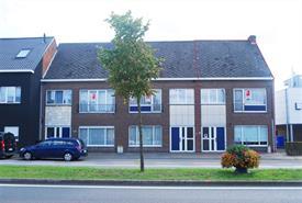 Te renoveren woning met tuin te koop in Destelbergen