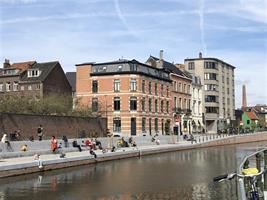 Gerenoveerde hoekwoning te huur in historisch centrum