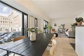 Luxueus 2 slaapkamer appartement gelegen op het Francois Laurentplein