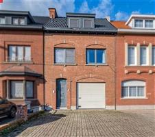 Instapklare ruime woning te koop in Sint-Niklaas