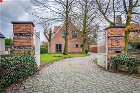 Prachtig gelegen open bebouwing met grote tuin te Sint Pauwels