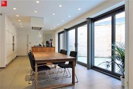 Vernieuwd gelijkvloers appartement te huur aan Gent station