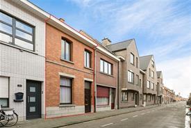 Te renoveren woning met garage centrum Sint-Niklaas