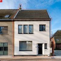 Instapklare halfopen bebouwing te koop te Nieuwkerken-Waas