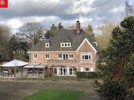 Statige villa met parktuin rand Sint Niklaas.