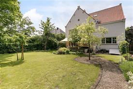 Interbellum villa met grote tuin in Gent
