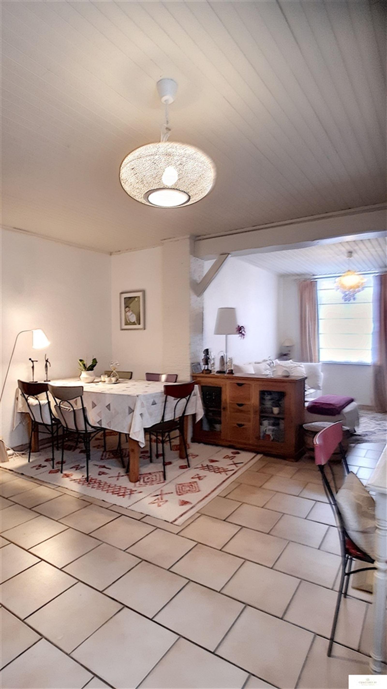 Huis - 9500 Viane