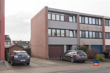 Foto 1 : Half open bebouwing te 2660 HOBOKEN (België) - Prijs € 330.000