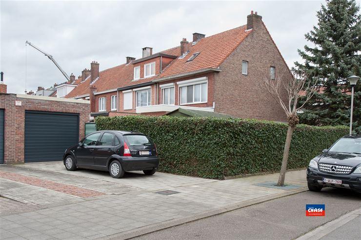 Foto 20 : Half open bebouwing te 2660 HOBOKEN (België) - Prijs € 385.000