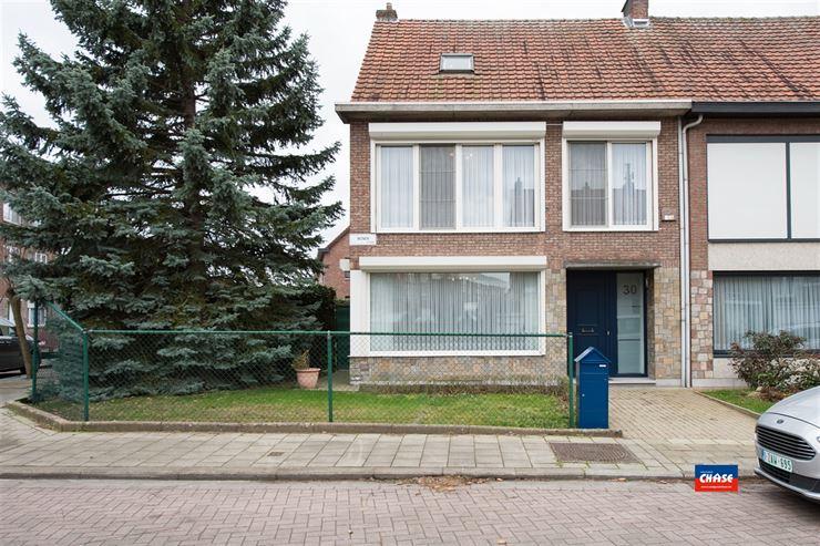 Foto 21 : Half open bebouwing te 2660 HOBOKEN (België) - Prijs € 385.000