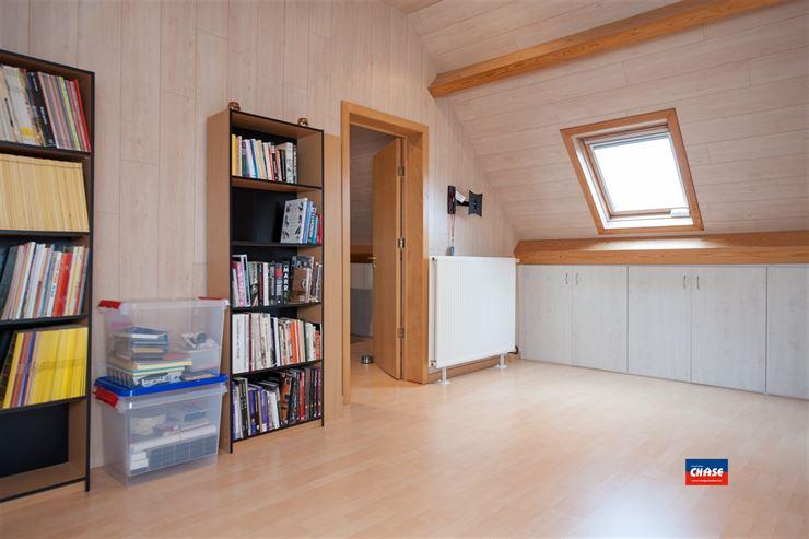 Foto 15 : Half open bebouwing te 2660 HOBOKEN (België) - Prijs € 385.000