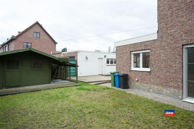 Foto 16 : Half open bebouwing te 2660 HOBOKEN (België) - Prijs € 385.000