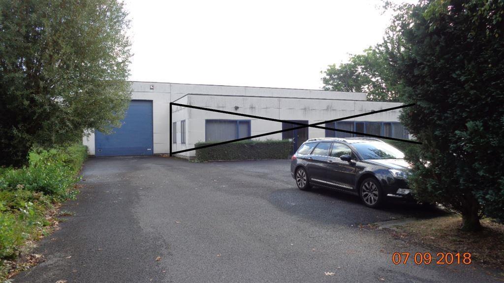 Foto 1 : Magazijn te 8552 MOEN (België) - Prijs € 2.400