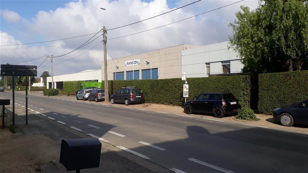 Foto 2 : Magazijn te 8530 HARELBEKE (België) - Prijs € 2.625