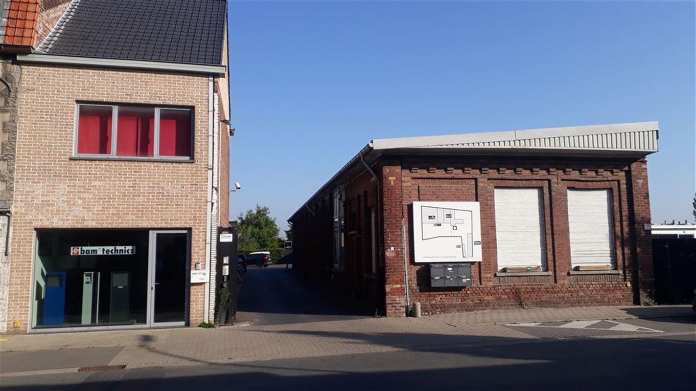 Foto 1 : Magazijn te 8500 KORTRIJK (België) - Prijs € 310.500