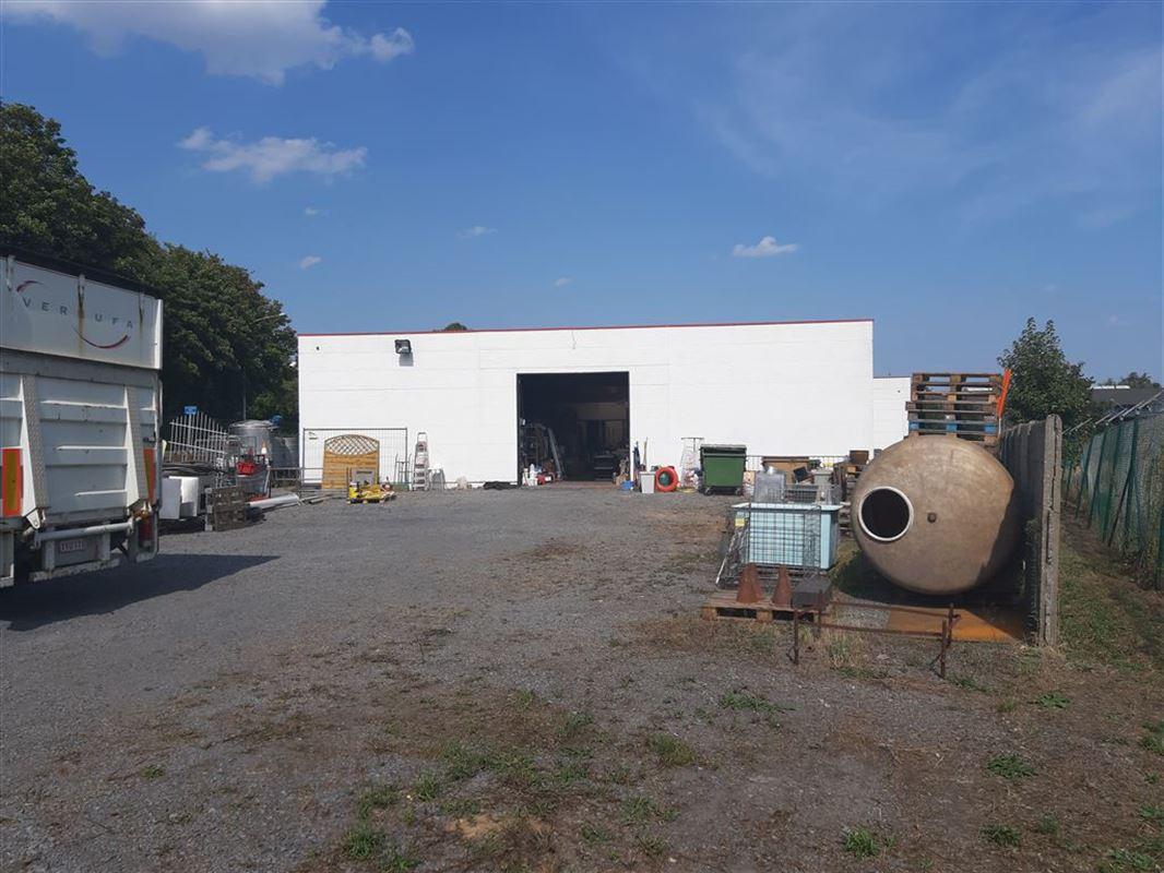 Foto 1 : Bedrijfsgebouwen te 7900 LEUZE-EN-HAINAUT (België) - Prijs € 2.700