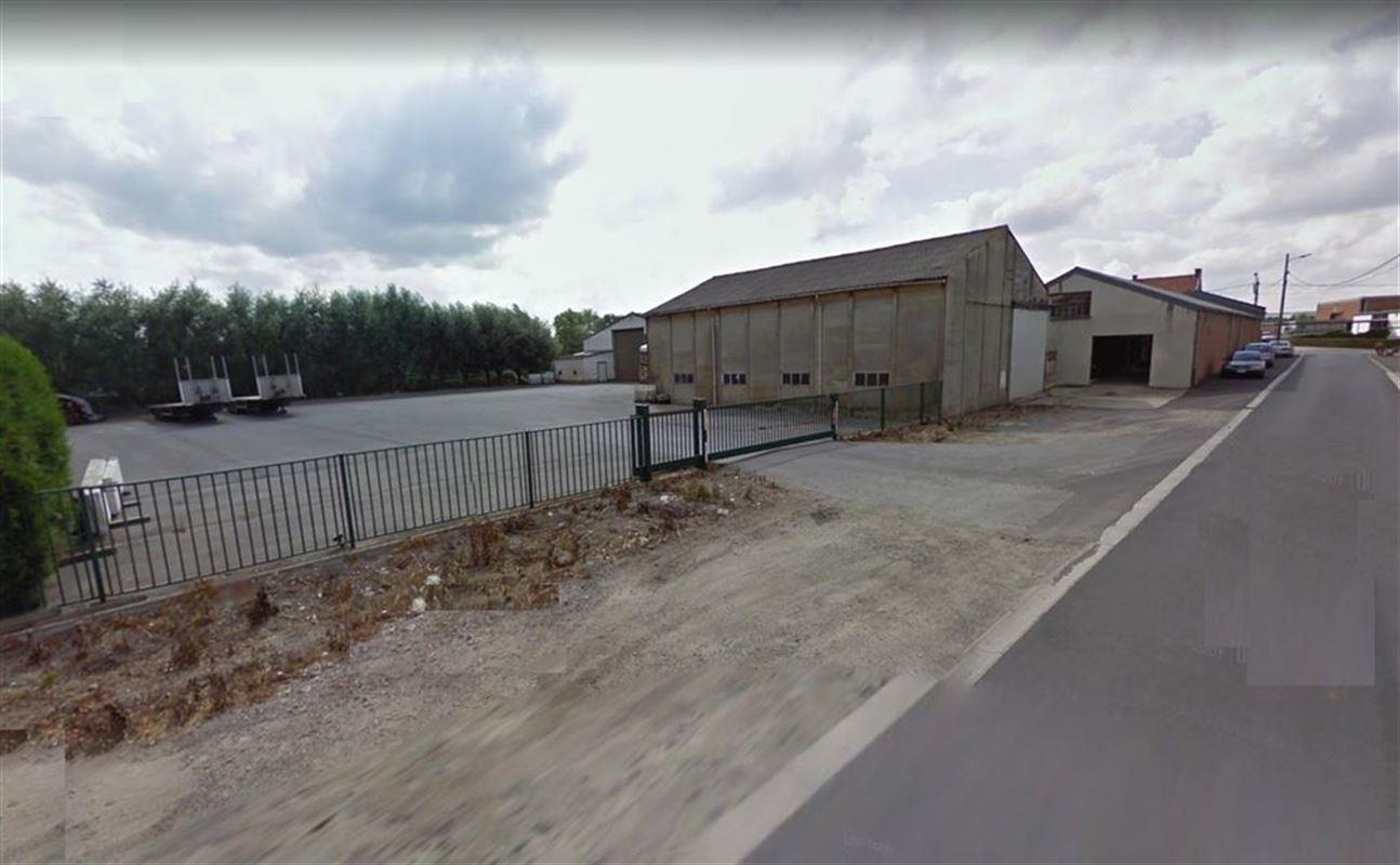 Foto 2 : Magazijn te 8880 SINT-ELOOIS-WINKEL (België) - Prijs € 1.300.000