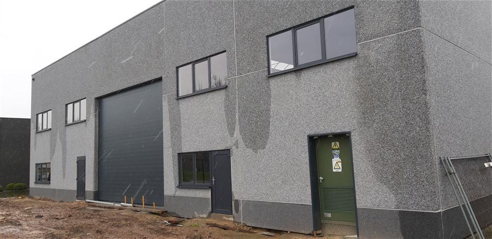 Foto 1 : Bedrijfsgebouwen te 9940 EVERGEM (België) - Prijs € 1.914