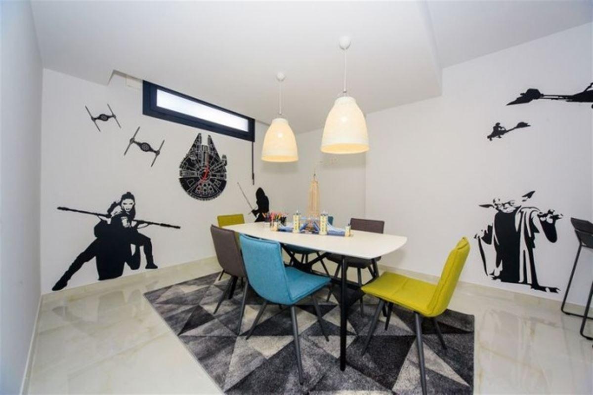 Image 20 : Villa à  TORREVIEJA (Espagne) - Prix 369.000 €