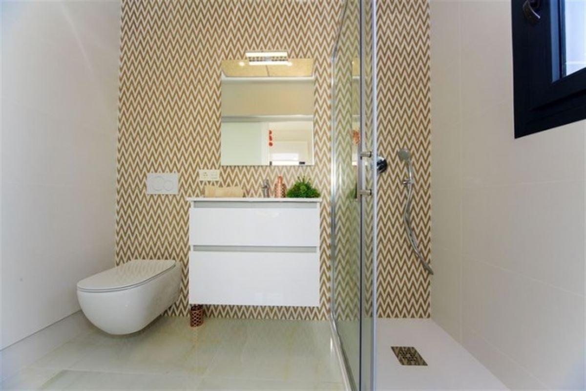 Image 28 : Villa à  TORREVIEJA (Espagne) - Prix 369.000 €