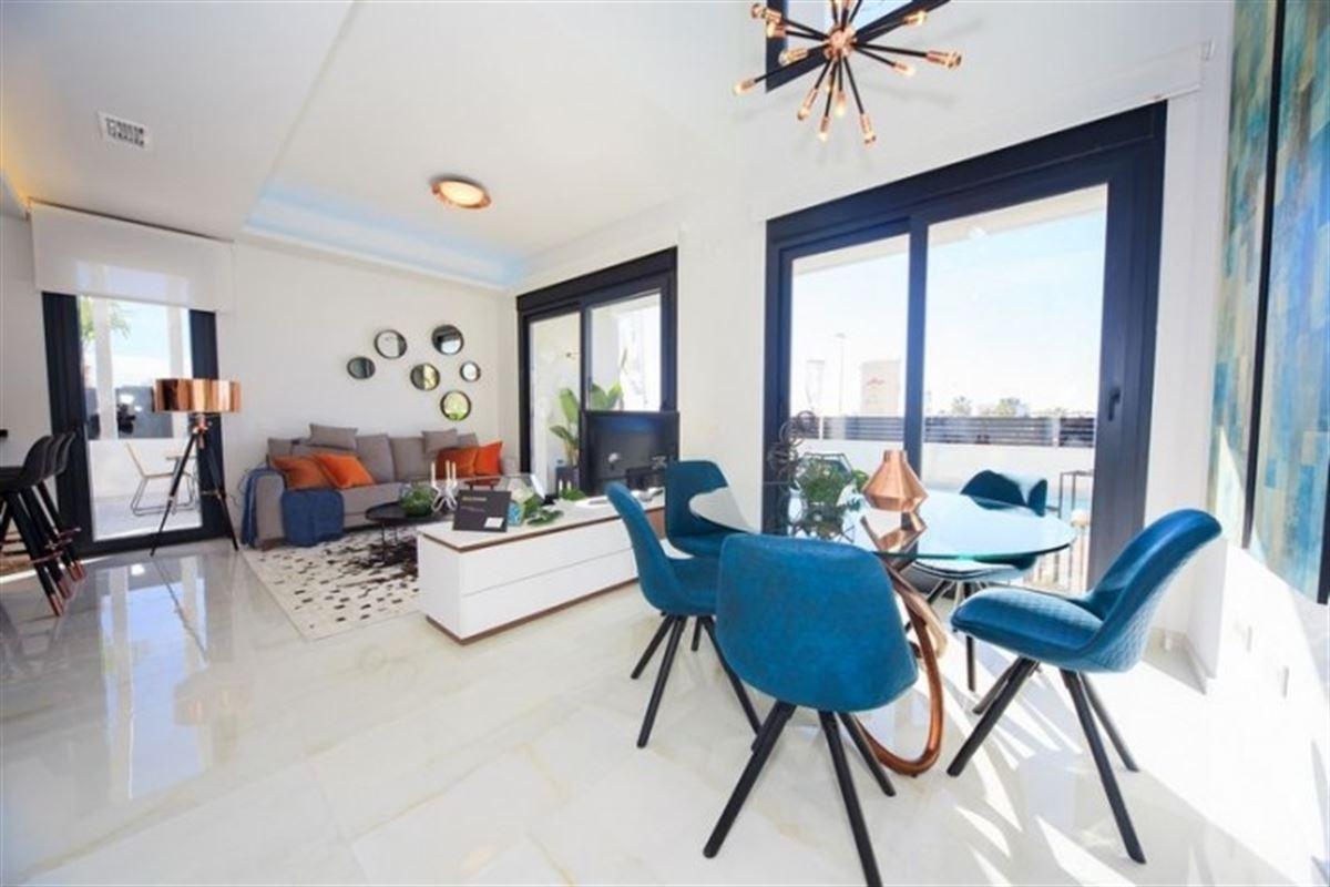 Image 11 : Villa à  TORREVIEJA (Espagne) - Prix 369.000 €