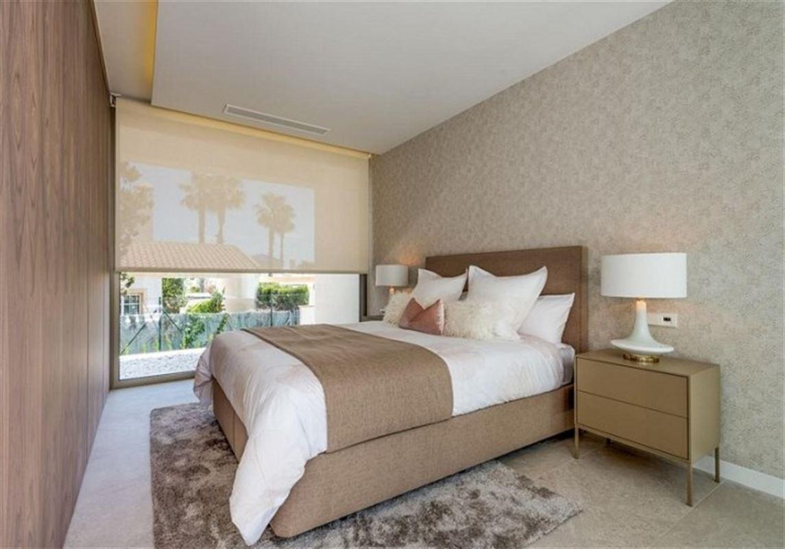 Image 17 : Villa à  LA ZENIA (Espagne) - Prix 1.590.000 €