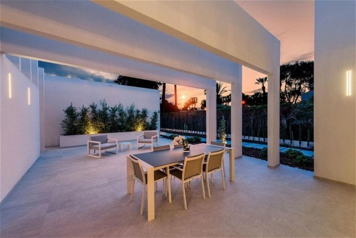 Image 21 : Villa à  LA ZENIA (Espagne) - Prix 1.590.000 €