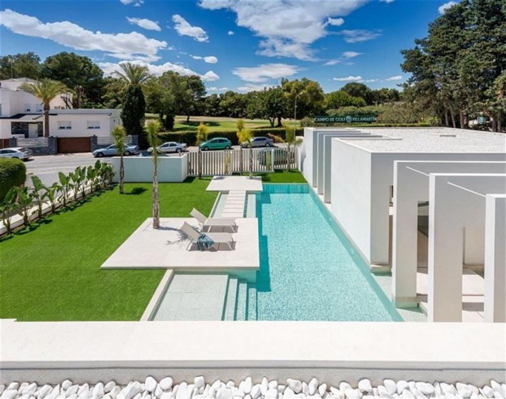 Image 6 : Villa à  LA ZENIA (Espagne) - Prix 1.590.000 €