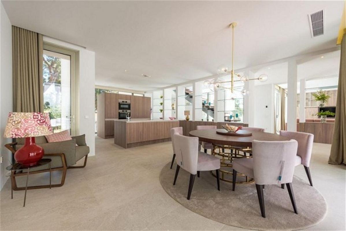 Image 11 : Villa à  LA ZENIA (Espagne) - Prix 1.590.000 €