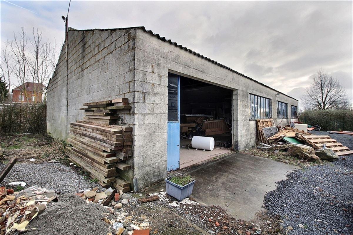 Image 2 : Entrepôt à 5170 BOIS-DE-VILLERS (Belgique) - Prix 120.000 €
