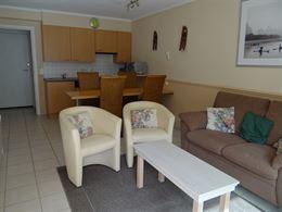 TE HUUR OP JAARBASIS - aangenaam appartement met ruim zonneterras - ingerichte keuken met alle comfort - ingerichte badkamer met douche - linnenwasmac...