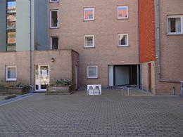 Res. Apollo VI - parking 00.06 - Mooi gelegen en goed bereikbare parking op de binnenkoer van de residentie Apollo....