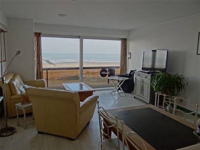 Res. Nemrod - 0201 - Appartement met 2 slaapkamers gelegen op de 2de verdieping op de autovrije zeedijk van Nieuwpoort - Living met open, ingerichte k...