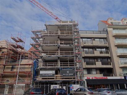 Res. Feniks - Appartement met 3 slaapkamers - 184m² - Uitzonderlijke ligging en oppervlakte - Gelegen op de 4de verdieping aan de zonnekant met zijde...