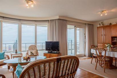 Res. Casino A 0103 - Appartement au coin, très spacieux avec trois chambres à coucher - Situé au premier étage sur la Digue/Lefebvrestraat - Hall ...