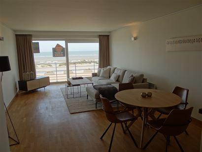 Seasight BC 0106 - Grand appartement avec deux chambres à coucher - Situé au premier étage sur la Digue - Hall d'entrée prévu de placards - Séjo...