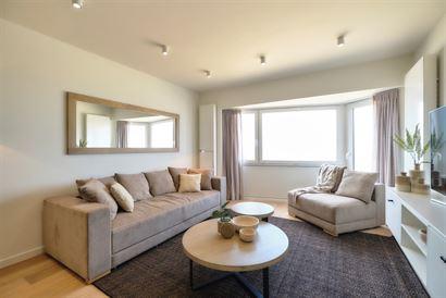 Rés. Velasquez 0101 - Appartement entièrement rénové avec 2 chambres à coucher -  Situé au premier étage sur le Digue de Mer - Hall d'entrée a...