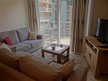 TE HUUR OP JAARBASIS - gezellig appartement met ruim zonneterras - ingerichte keuken met alle comfort - ingerichte badkamer met douche - slaapkamer me...