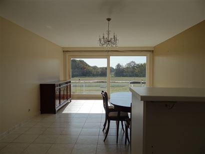 Res. Greenpark I 0103 - Ruim appartement met twee slaapkamers - Open zicht én zuidgericht terras - Inkom met vestiaire - Licht rijke leefruimte met o...