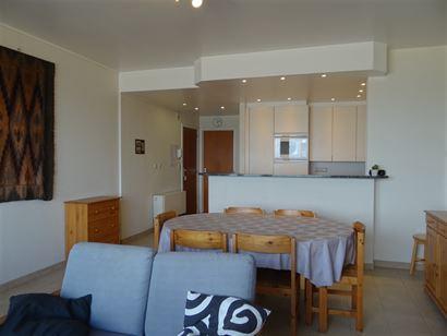 Res. Santa Cruz 0601 - Appartement met 3 slaapkamers gelegen op de 6de verdieping op de autovrije zeedijk van Nieuwpoort bad Inkomhal met apart toile...